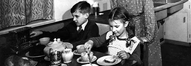 Children eating  - 1940s