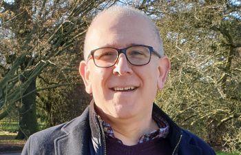 Professor Leon Lagnado