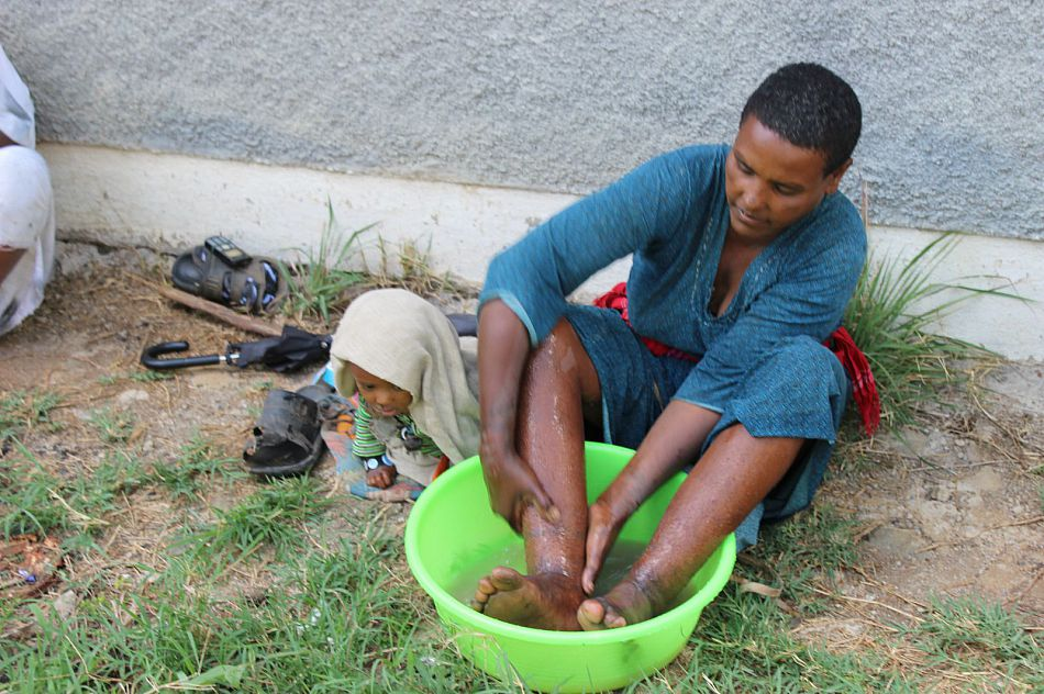 Podo feet washing